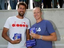 Bertens en Haase openen tenniscampagne op oude school