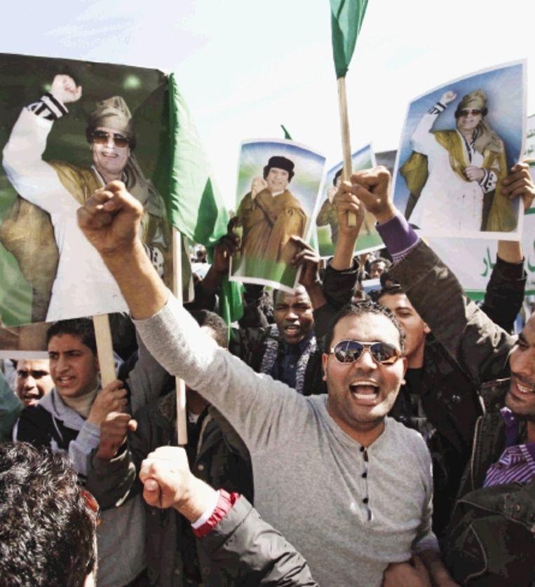 In Tripoli gingen gisteren alleen aanhangers van Kadafi de straat op. Foto: epa Beeld EPA