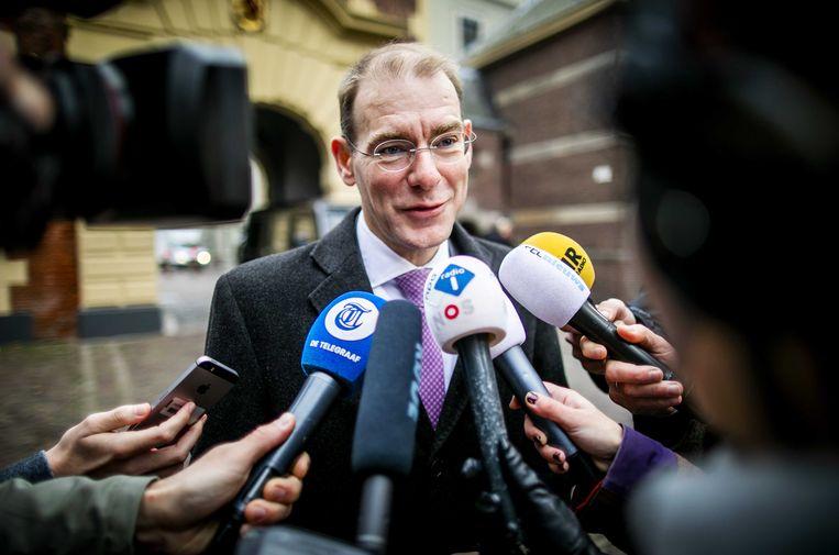 Staatssecretaris Menno Snel van Belastingzaken arriveert op het Binnenhof. Beeld ANP