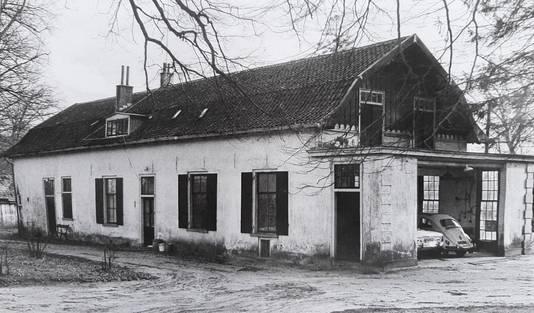 De tot dienstwoning omgebouwde oranjerie naast Huis den Treek toen ze nog overeind stond.