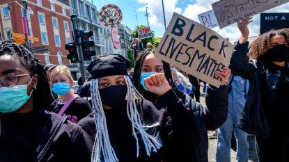 """Grote opkomst op 'Black Lives Matter'-protest inAntwerpen: """"Hoeveel keer ik ben uitgescholden omwille van mijn huidskleur? Ik ben de tel kwijtgeraakt"""""""