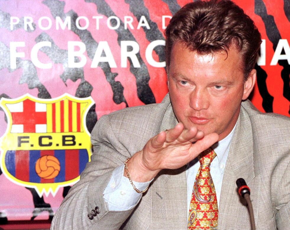 Louis van Gaal bij zijn presentatie in Camp Nou op 30 juni 1997.