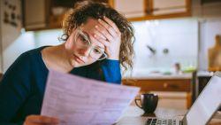 Moet de overheid uitkering voor tijdelijk werklozen verhogen? Loonexperten geven hun visie