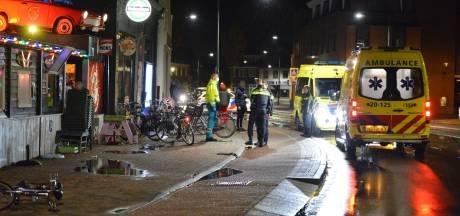 Inrijden op cafébezoekers Rijsbergen: Politie zoekt donkere stationwagen met witte kentekenplaten