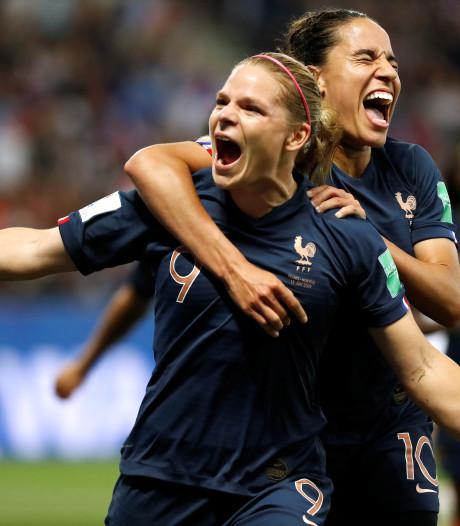 Frankrijk met hulp van VAR naar winst op Noorwegen