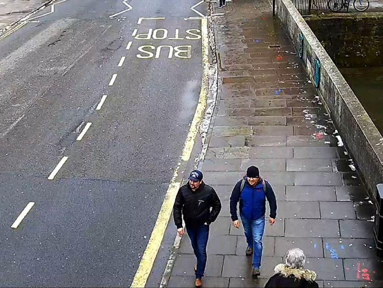 Aleksander Petrov en Ruslan Boshirov werden eveneens gespot op surveillancebeelden in Salisbury, rond de tijd dat Joelia en Sergei Skripal vergiftigd werden.