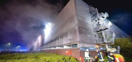 50 auto's uitgebrand in parkeergarage op vliegveld Münster-Osnabruck