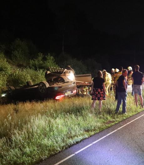 Meerdere gewonden bij ongeluk op A50 na mogelijke verkeersruzie