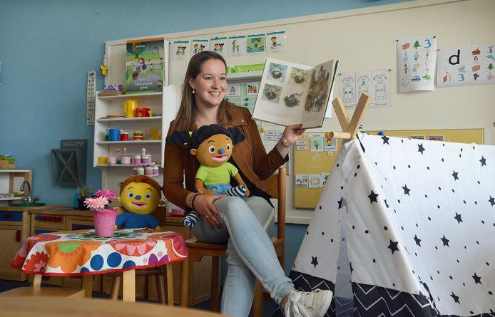 Janine Dorst uit Oosterland is door de weeks schooljuf op de Kirreweie