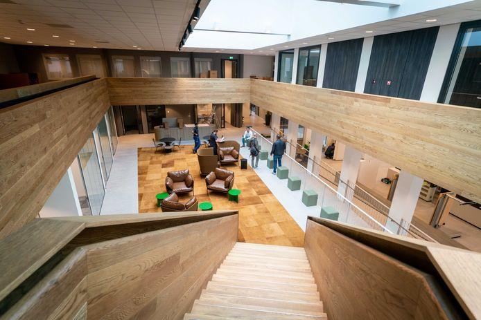 Het nieuwe gemeentehuis in Elst.