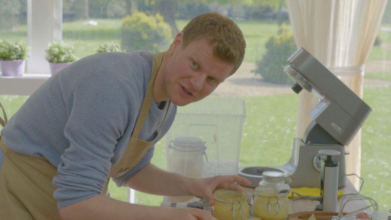 Dries Bruyneel aan het werk tijdens Bake Off Vlaanderen.