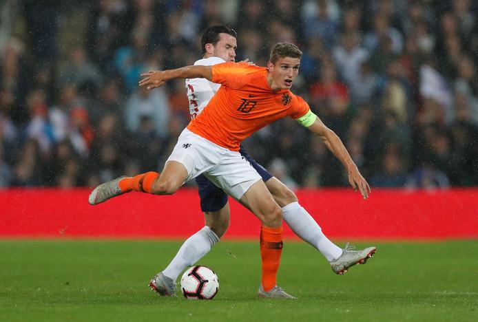 Guus Til, hier in actie tegen Jong Engeland (1-1), neemt het vanavond op tegen Jong Schotland.