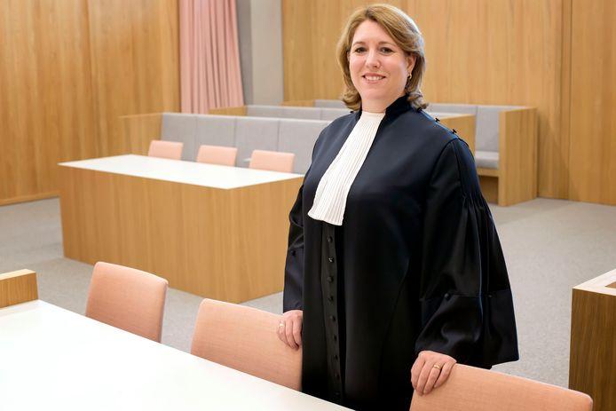 """De Bredase jeugdrechter Susanne Tempel maakt zich grote zorgen over het groeiende tekort aan gezinsvoogden. ,,Het zijn geen incidenten meer."""""""