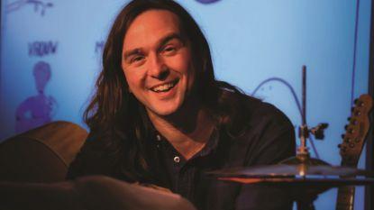 Tom Clement zingt Nederlandstalige traditionals