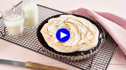 Foodporn voor chocoholics: smeuïge chocoladetaart met knapperige meringue