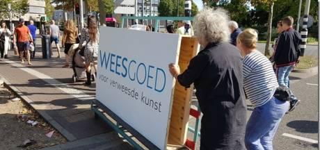 'Verweesde kunst' in nieuwe winkel bij Keizer Karelplein
