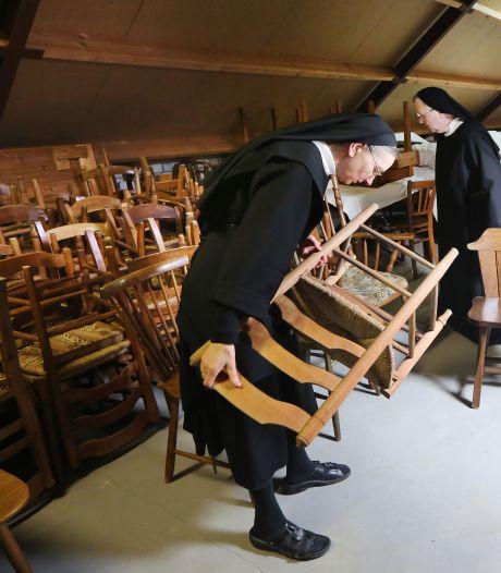 Van pizzaborden tot Mozart-elpees: sla je slag bij de kloostermarkt van de zusters in Oosterhout