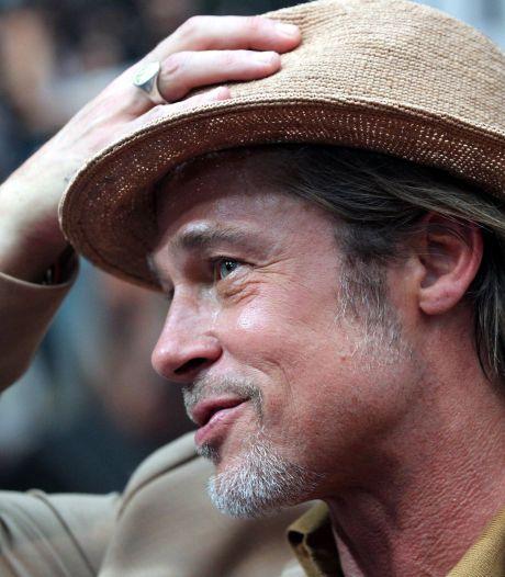 Brad Pitt donne de sa personne pour promouvoir sa marque de vin