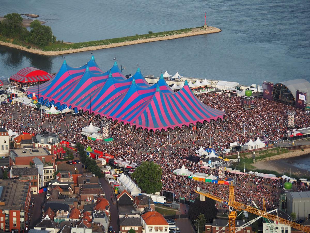 Appelpop: topdrukte op het festivalterrein (foto's en ...