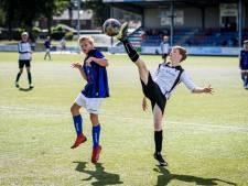 Leden lijken voetbalclubs in Enschede massaal de rug toe te keren: 650 opzeggingen sinds maart