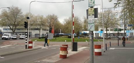Slagboom bij station Zwolle moet 'vrij' busvervoer garanderen