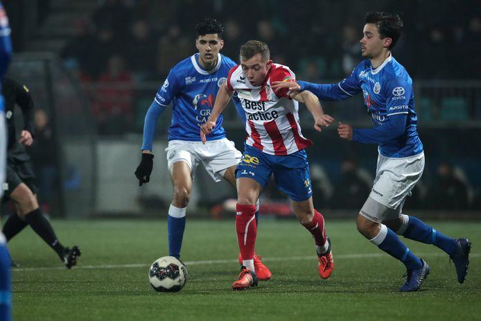 TOP Oss en FC Den Bosch zouden vrijdagavond eigenlijk tegen elkaar gespeeld hebben, maar ook daar haalde het coronavirus een dikke streep doorheen.