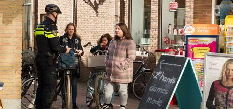 In klein uurtje 14 fietsers op de bon in Kampen