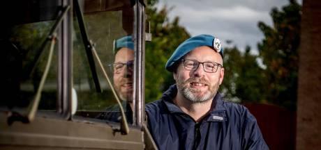 Ron gaat met broodjes langs bij 54 Drutense veteranen