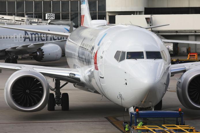 Op basis van nieuwe informatie heeft de Amerikaanse luchtvaartautoriteit besloten de Boeing 737 Max 8 aan de grond te houden.