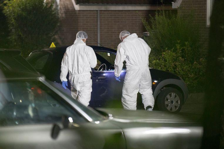 Bij de liquidatie van de 38-jarige Ronald Bakker in zijn auto in Huizen zou de dader een 'groot' wapen hebben gebruikt en zijn gevlucht op een motor. Beeld ANP