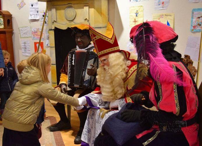 Het is ook dit jaar weer mogelijk om Sint Nicolaas in Nijverdal 'thuis' te bezoeken.