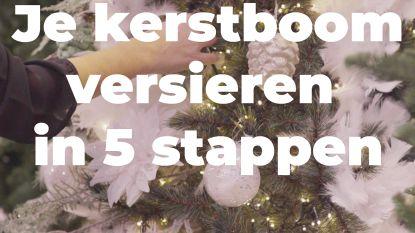 Zondag en veel regen, de ideale dag om je kerstboom op te zetten, in 5 stappen