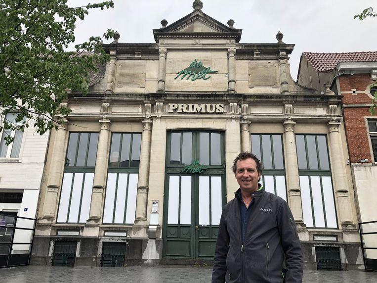 Noël Smets keert terug naar zijn roots en baat vanaf eind juli opnieuw brasserie De Met op de Grote Markt uit.