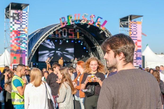 De site van Tour&Taxis bood meer ruimte en dus ook meer veiligheid voor het studentenfestival.
