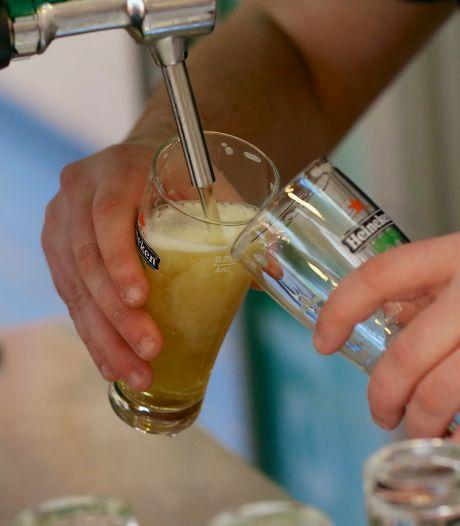 Coronaboete voor Gemerts café dat te lang open bleef: 'Onverantwoord gedrag'