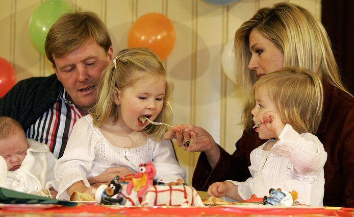 Prinses Alexia werd in 2007 twee jaar en dat werd gevierd met taart.
