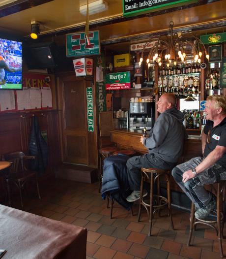 Cafés blijven hopen op WK-koorts