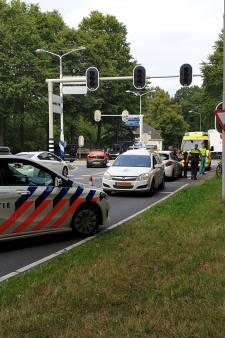 Fietser lichtgewond bij aanrijding op kruising Mansholtlaan in Wageningen