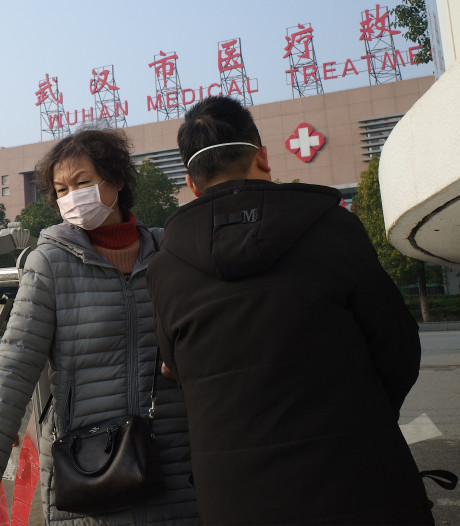 China sluit niet uit dat nieuw coronavirus overdraagbaar is van mens op mens