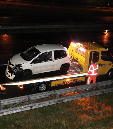 Glad in Zeeland: Drie ongelukken in anderhalf uur tijd op bijna dezelfde plek op A58