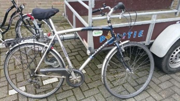 Eén van de gestolen fietsen die door de politie in beslag genomen zijn.