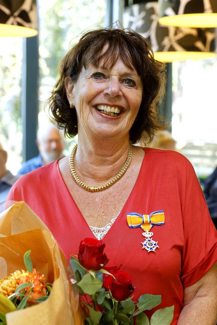 Anne-Marie Cornelissen uit Schijndel kreeg zondag een koninklijke onderscheiding opgespeld.