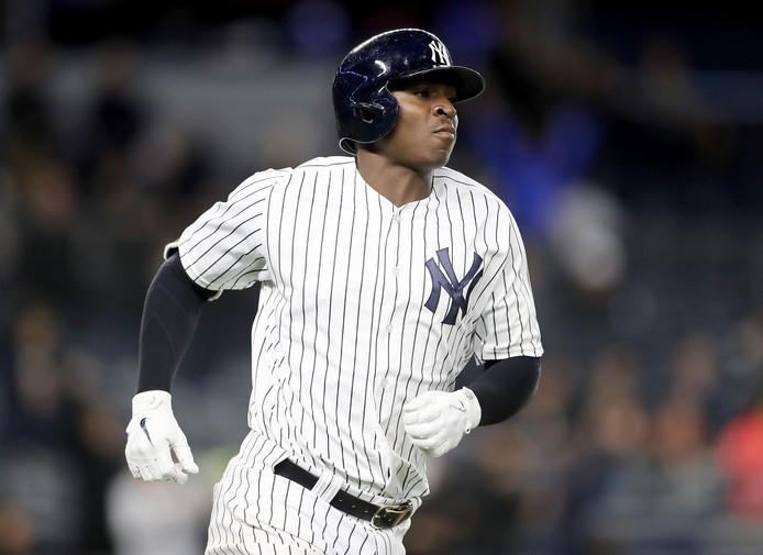 Didi Gregorius slaat een homerun voor de New York Yankees.