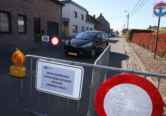 Sas van Gent 20200323 Grensblokkade ivm Corona bij 't Staak op grens met Assenede
