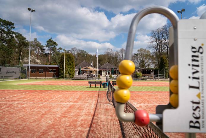 Het tennispark in Dieren.