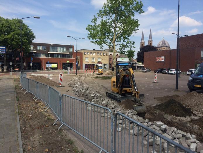 Voor de reconstructie begint moeten nog wat kabels en leidingen verlegd worden. De contouren van de nieuwe Birgittinessenstraat en St. Janstraat zijn al zichtbaar.