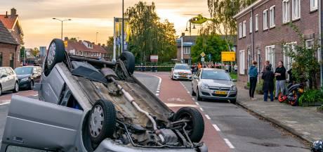 Scooterrijder onderuitgereden door botsende auto in Oosterhout: 'Negen van de tien rijden hier te hard'