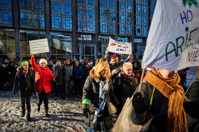 In 2017 demonstreerden stakende leraren bij het station in Rotterdam.