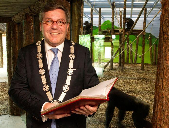 Burgemeester Berry Link van Geldrop-Mierlo in Dierenrijk.
