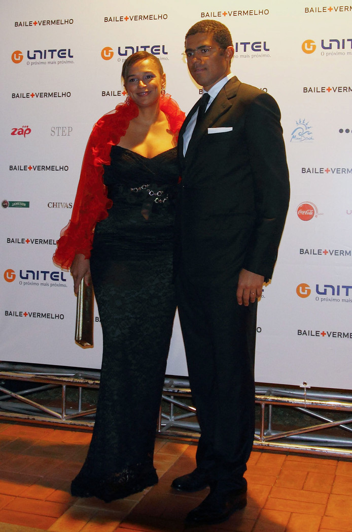Isabel dos Santos en haar man Sindika Dokolo in 2011. Dos Santos heeft een Angolese vader en Russische moeder, Dokolo is de zoon van een Congolese miljardair en een Deense.